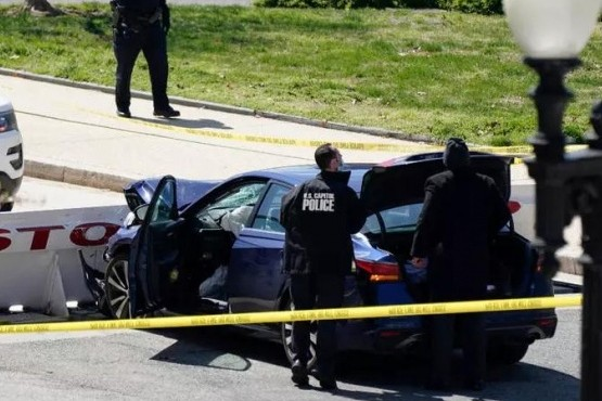 Un hombre embistió con su auto a policías y mató a uno frente al Capitolio de EEUU