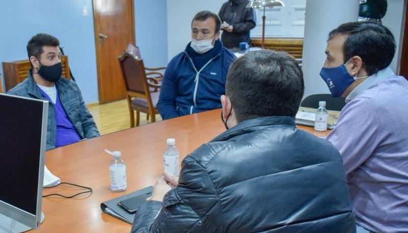 Pablo Grasso se reunió con  integrantes del  Colegio Veterinario de Río Gallegos