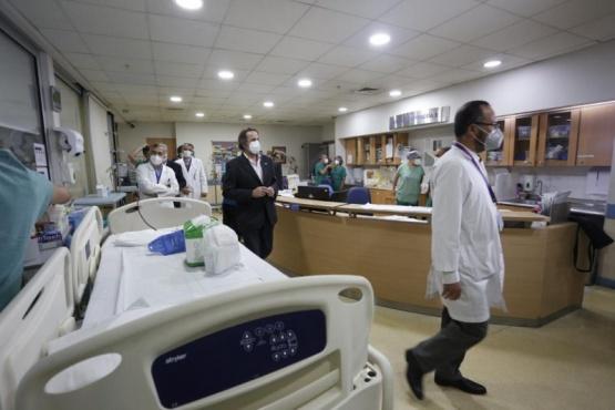 La red de salud integrada por establecimientos públicos y privados informó que tiene solamente 164 camas críticas disponibles.