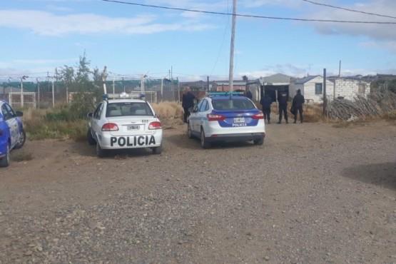 Los oficiales de las Divisiones Comisarías Primera y Segunda recolectaron testimonios de vecinos y testigos.