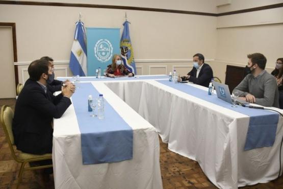 Alicia y ministros en la presentación de Medio Ambiente.
