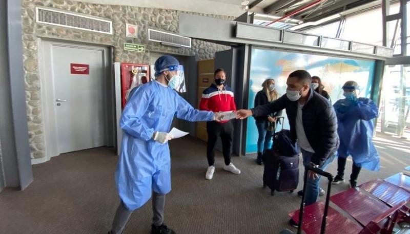 Se realizan testeos a los pasajeros que llegan a El Calafate.