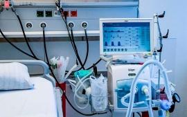 Un paciente con coronavirus le arrancó el respirador a otro y lo asesinó porque no aguantaba sus ruidos