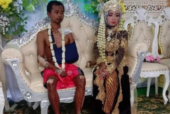 Un novio llegó al casamiento herido y la imagen se viralizó en las redes