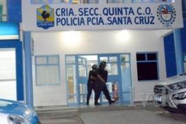 El joven de 19 años que murió en la comisaría de Caleta Olivia tenía COVID