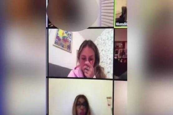 Una alumna se olvidó de apagar la cámara y tuvo relaciones sexuales en plena clase virtual