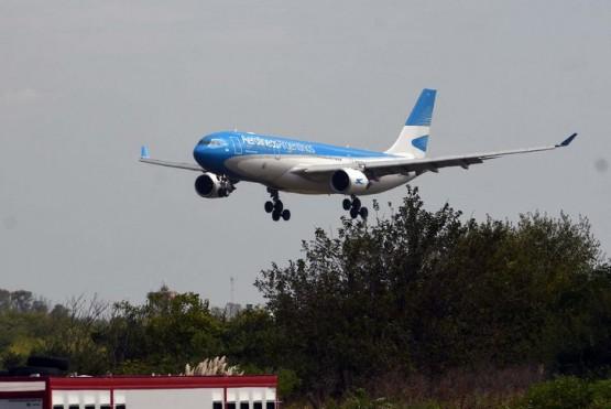 Por una ola de contagios, Aerolíneas Argentinas tuvo que trasladar vuelos de Aeroparque a Ezeiza