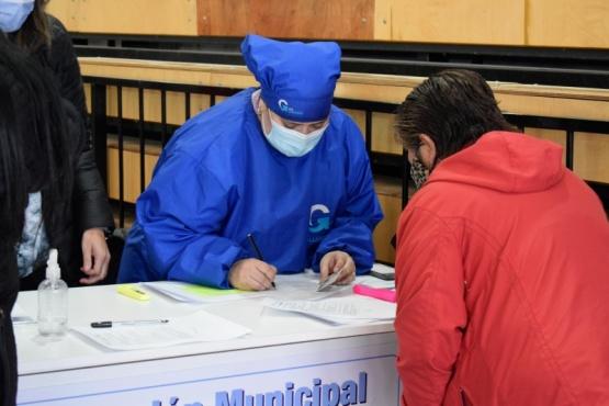 Mañana el Vacunatorio Municipal de Río Gallegos recibirá a mayores de 62 años