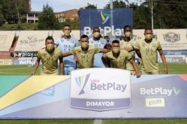 Tuvieron un brote de coronavirus, se presentaron a jugar con 7 futbolistas y les ganaron por goleada