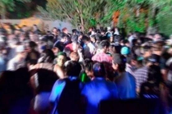Fiestas clandestinas: proponen sancionar a los que asistan con trabajos comunitarios