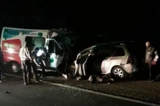 Ocho muertos al chocar un auto y una ambulancia en La Rioja