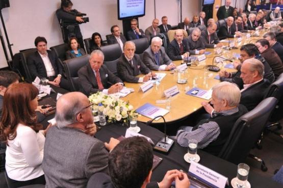 Gobierno convocó al Consejo del Salario para el 27 de abril