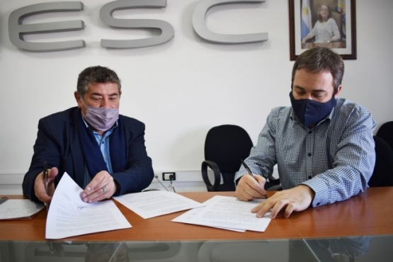 Enrique y Kalmus firmaron el acuerdo de cooperación con CGC S.A.