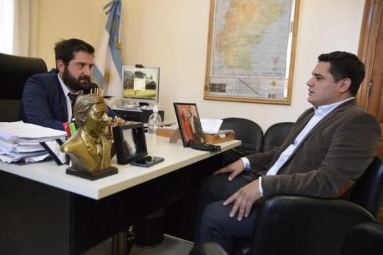 Chávez se reunió con Gonzalo Chute, representante de Migraciones.