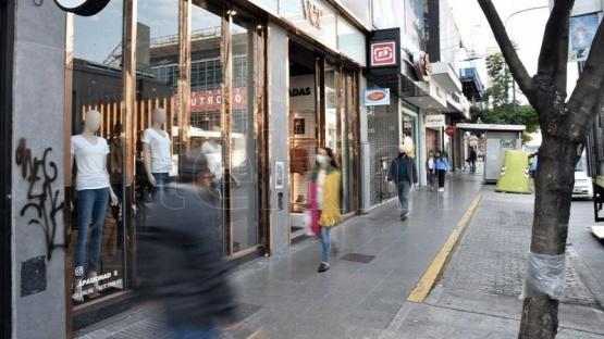 San Luis y Tucumán suman restricciones