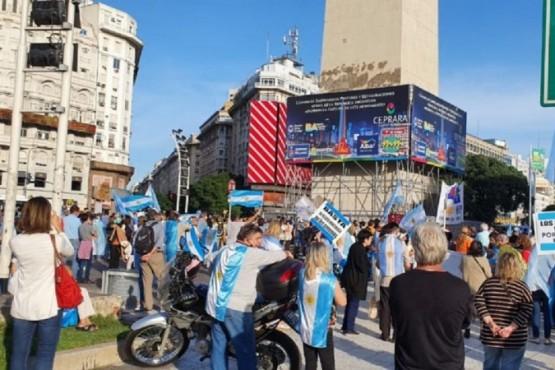 Nueva manifestación en Olivos y el Obelisco contra las restricciones del Gobierno