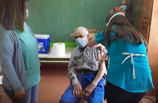 Avanza la vacunación en Colán Conhué y Aldea Epulef