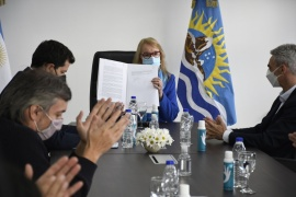 Los convenios que firmó Alicia Kirchner para Santa Cruz