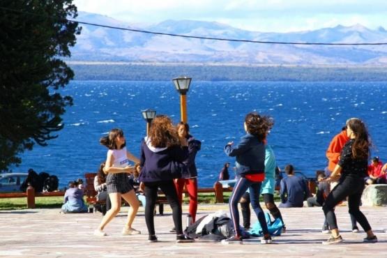 Egresados: viajó a Bariloche con síntomas de coronavirus y contagió a 65 compañeros