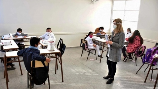 El kirchnerismo presentó un proyecto para suspender las clases presenciales