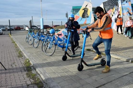 """Tarde """"sobre ruedas"""" en el Parque Urbano Pirincho Roquel de Río Gallegos"""