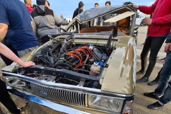 El Club de Ford Falcon Argentina busca ayudar al piloto que volcó en Río Gallegos