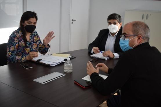 Karina Nieto junto al Ministro de Salud.