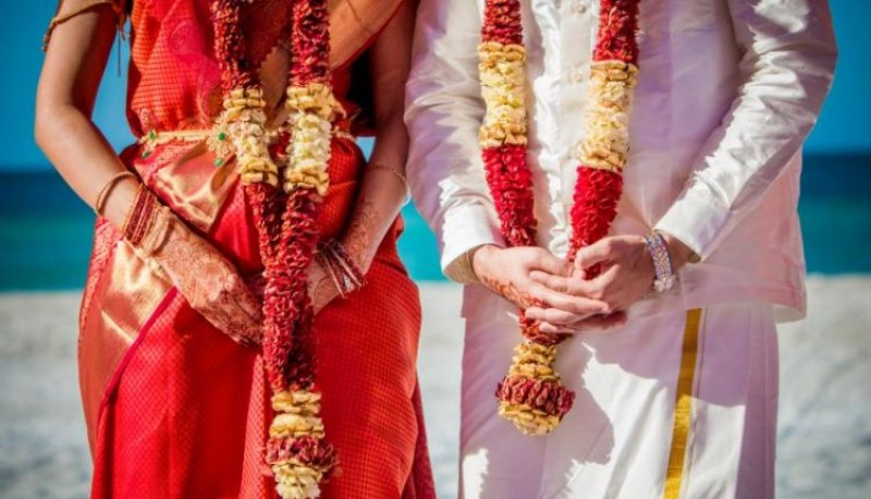 Organizó el casamiento de su exesposa con su amante