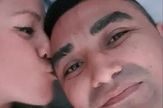Un preso no volvió de una salida transitoria y se sacó una selfie en la cama con la pareja de otro recluso