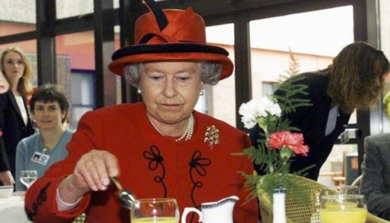El truco de la cocina real para evitar que envenenen a la reina Isabel II