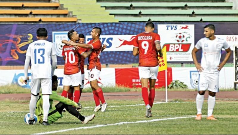 Becerra sigue marcando en la Liga.
