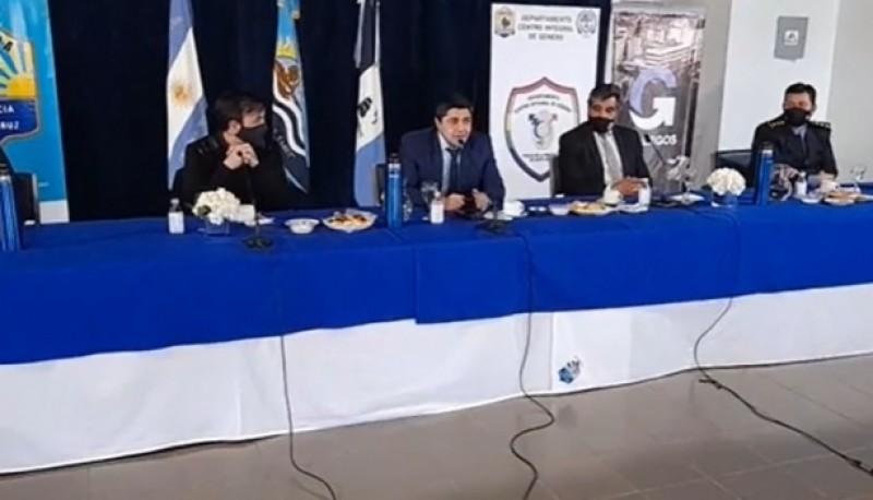 Lisandro De la Torre junto a José Luis Cortés y Pablo Grasso.