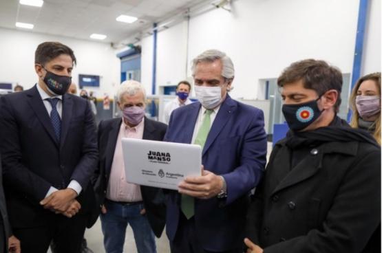 El Presidente anunció la entrega de netbooks a estudiantes