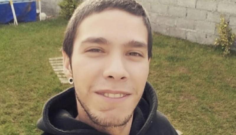 Él era Matías Ríquez, quien murió debido a las lesiones sufridas.