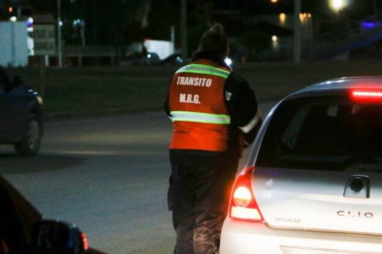 Dirección de Tránsito trabaja apoyando a la Policía en controles vehiculares