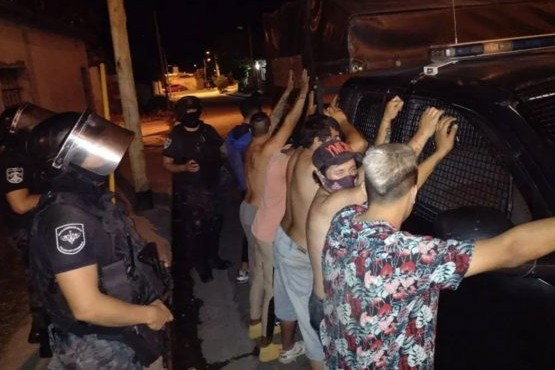 Multarán con un millón de pesos a quienes que organicen fiestas clandestinas