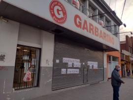 Tras el cierre de local comercial sus trabajadores reclaman el sueldo