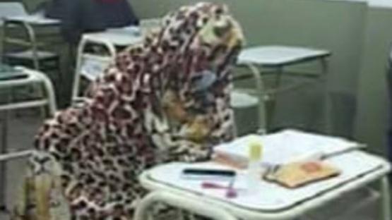 Escuelas de Salta autorizaron a los alumnos a ir a clases con frazadas debido al frío