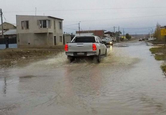 El Municipio dijo que la inundación en el Evita es por una pérdida de SPSE
