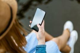 Una mujer descubrió que su novio la engañaba por una foto que él mismo le envió