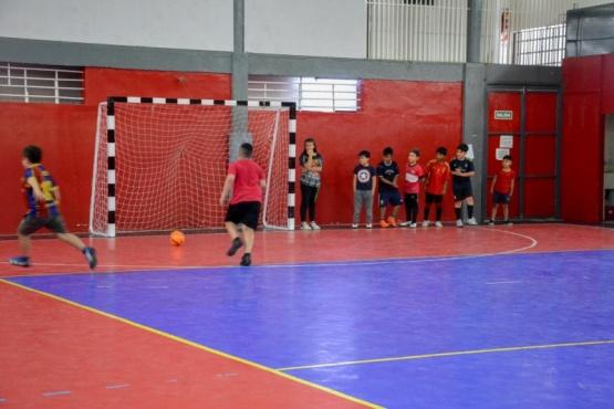 La escuela de fútbol Infantil del Benjamín Verón de Río Gallegos sigue con su tarea formativa