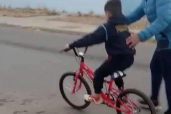 Le robaron la bicicleta y piden colaboración para recuperarla