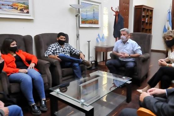 Mariano Arcioni recibió a los jefes comunales de Gan Gan y Buen Pasto
