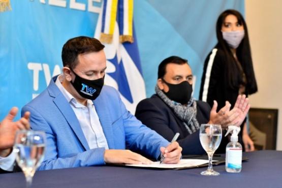 Maderna firmó convenio de inclusión laboral para personas con discapacidad
