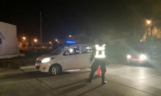Noche violenta en Caleta Olivia: tres detenidos y un menor herido