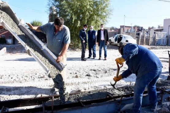 Más trabajos de conservación vial y mantenimiento en distintos barrios