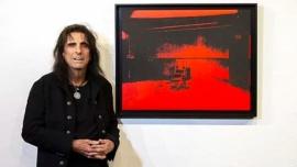 """Alice Cooper vende una obra de Andy Warhol: """"ya no encaja"""" con sus gustos"""