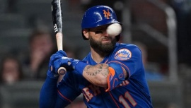 Estremecedor golpe: Beisbolista recibió un pelotazo en la cara a 150 km/h