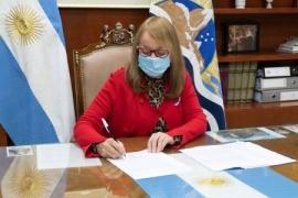Alicia Kirchner firmó la homologación de los artículos del Convenio Colectivo Sectorial de Salud