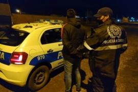 Detienen a joven de 26 años con un arma y tres cartuchos a bala